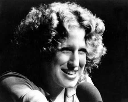 UNSPECIFIED - JANUARY 01: Photo of Bette Midler (Photo by Michael Ochs Archives/Getty Images)