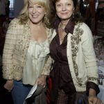 Empty shoes, empty schools: U.S. gun law activists plan two days of theater - Bette Midler & Susan Sarandon Lend Their Support