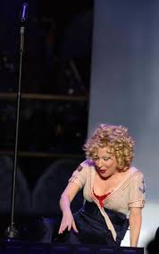 Audio: Bette Midler - THAT'S HOW HEARTACHES ARE MADE (Live 2004) Kiss My Brass