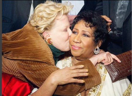 Bette Midler Pays Respect To The Queen Of Soul, Aretha Franklin
