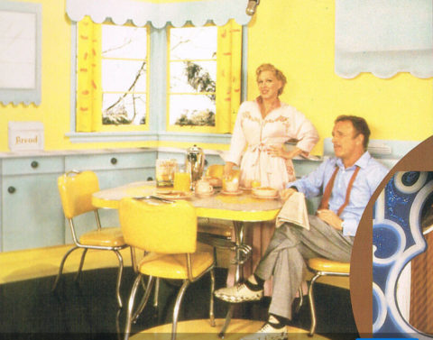 Photo: Bette Midler and James Caan in a scene within a scene in For The Boys - 1991