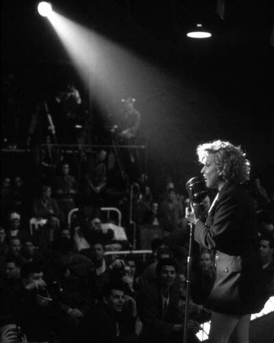 Photo: Bette Midler in For The Boys singing to the Troops - 1991