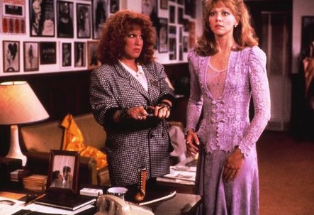 Bette Midler and Shelly Long in Outrageous Fortune